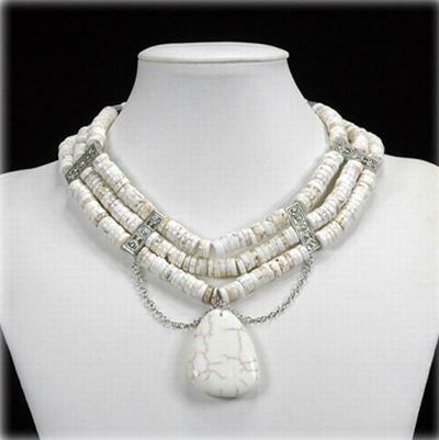 Trendige 3 reihige Halskette