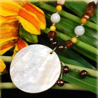4 Stück elegante Halsketten mit Perlmutanhänger