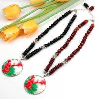 2x Halskette aus Jaspis und Onyx mit Perlmuttanhänger