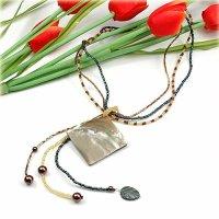 1x wunderschöne Halskette mit trendy Perlmuttanhänger