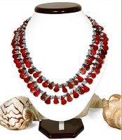 1x wunderschöne Halskette aus Korallen- und Steinperlen