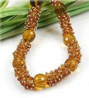 1x elegante Halskette mit gelben Glasperlen