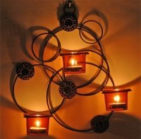1x Kerzenhalter mit Lederverzierungen