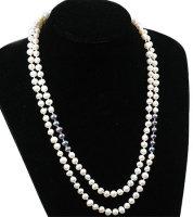 1 x Halskette mit Zuchtperlen in Grau und Weiß