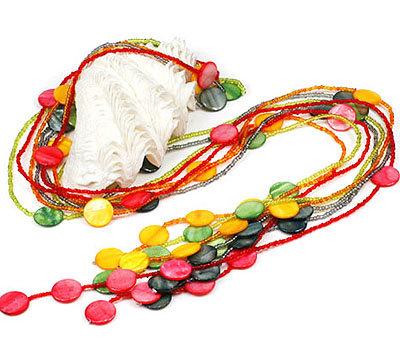 8 x beeindruckende Halsketten mit Perlmutt- und Glasperlen