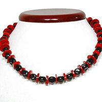 2 Stück  Halsketten mit echten Korallen und Glasperlen