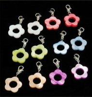 48 x edle Perlmuttanhänger in 6 Farben