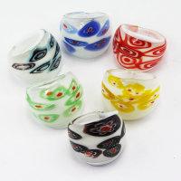 Wundervolle weisse Glasringe mit tollem Muster ver. Farben