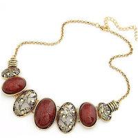 Exklusive Halskette mit  Mondsteinen und Messingornamenten in vier Farben - Kette ca. 50 cm